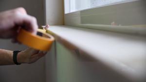erfolgs garant vor dem anstrich richtig abkleben 13 tipps f r heimwerker ihr wandprofi. Black Bedroom Furniture Sets. Home Design Ideas